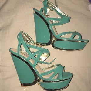 Brand new never worn heels (RUNS SMALL 9/10)